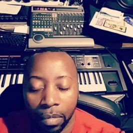 kamani Mosi ngoma, singer, beatmaker et producteur chez Rimeback Records