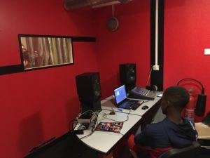 studio-esengo-association-poitiers-studio-d-enregistrement-3